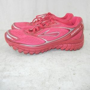 Women's Brooks Ghost 7 Running shoe Size 6B Red
